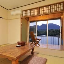 【客室一例/和室】天気の良い日の夜は、美しい星空もお楽しみいただけます。
