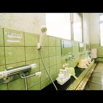 浴室にはシャンプー・リンス・ボディーソープが完備しております。
