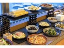 和食中心の朝食ブッフェ