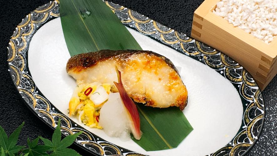 朝食日替わりメニュー:銀鱈塩麹焼