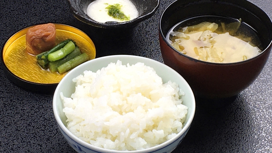 朝食:木島平産コシヒカリ