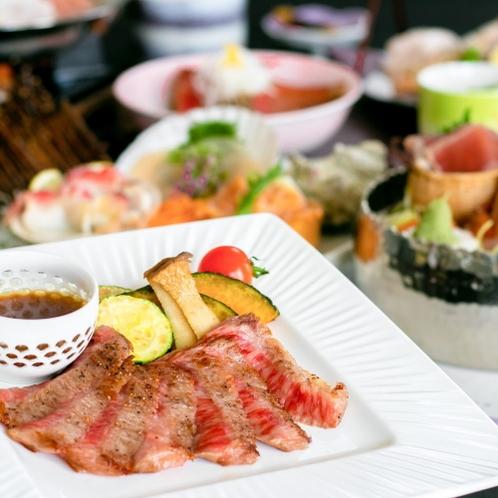 【雅の膳一例】お刺身や前菜・焼き物など四季折々の厳選食材を使った料理長厳選の料理をご賞味ください