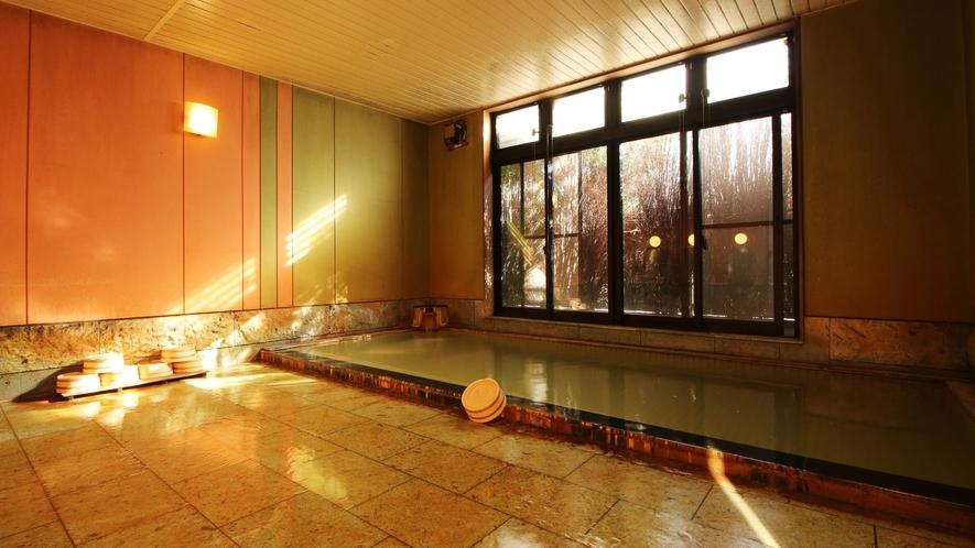 源泉かけ流しが自慢の大浴場■いつでも入浴可能です