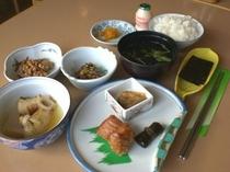 T,朝食2