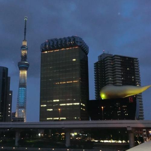東京スカイツリー(R)とアサヒビール(夜)