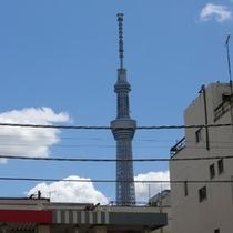 玄関からの東京スカイツリー(R)