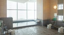 男性大浴場 14階展望大浴場「旅人の湯」 盛岡市街地を眺めながらごゆっくりお寛ぎくださいませ