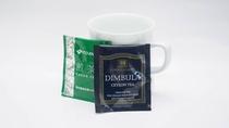 客室には煎茶、紅茶をご用意しております。