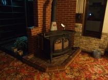 暖炉薪ストーブ