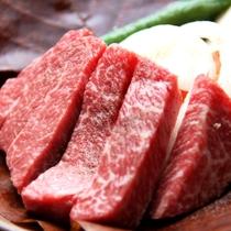 夕食一例_飛騨牛ステーキ:ぶ厚い飛騨牛をお好みの焼き具合で