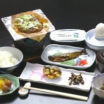 《朝食一例》おいしいおかずをちょっとずつ。健康的な和朝食