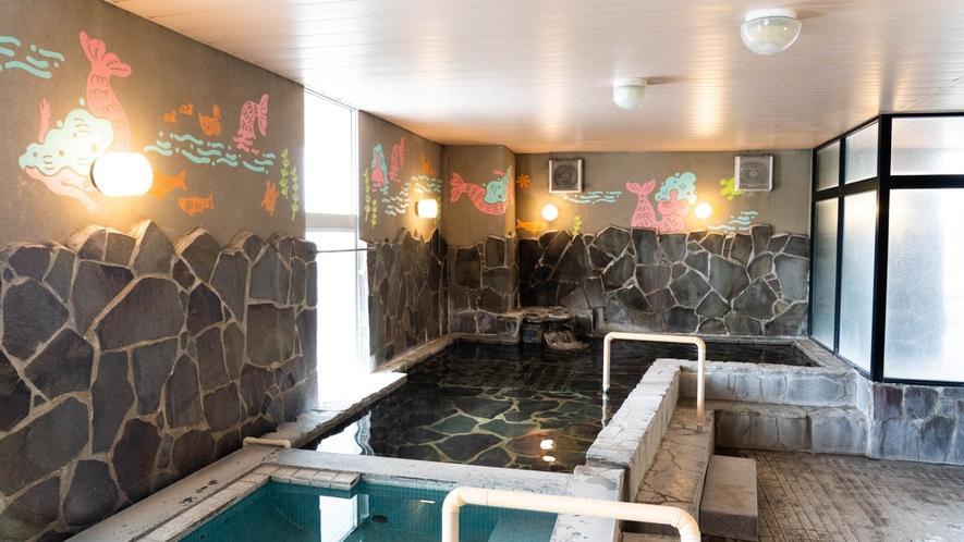 みくま川をイメージした可愛いデザインの女性風呂