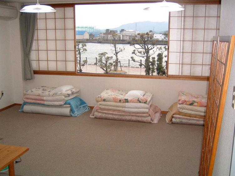 10畳(バス・トイレ付き)和室