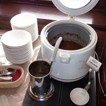 朝食バイキング 朝カレーや朝ハヤシもありますよ