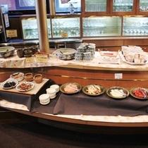 ガスライト郷土料理豊富な朝食バイキング 朝7:00〜10:00