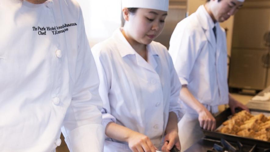 【朝食】ライブキッチンで焼きたてを提供