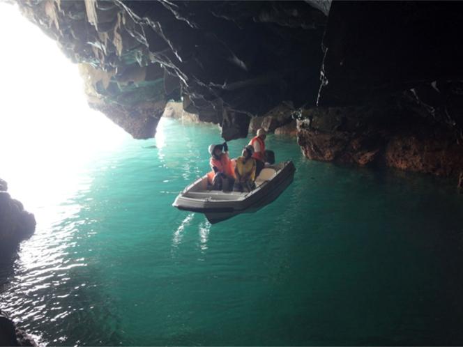 青の洞窟(さっぱ船)遊覧