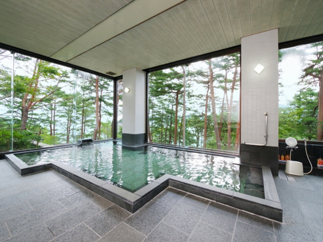 さけの湯(開放感あふれる露天風呂)