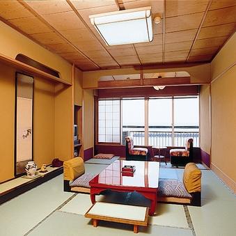 客室『花しょうぶ』 目の前に海が広がる一般和室10畳+広縁