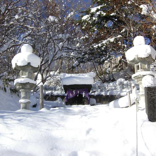 温泉神社冬