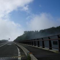 不動沢橋は磐梯吾妻スカイライン最初の絶景スポット(冬季閉鎖)
