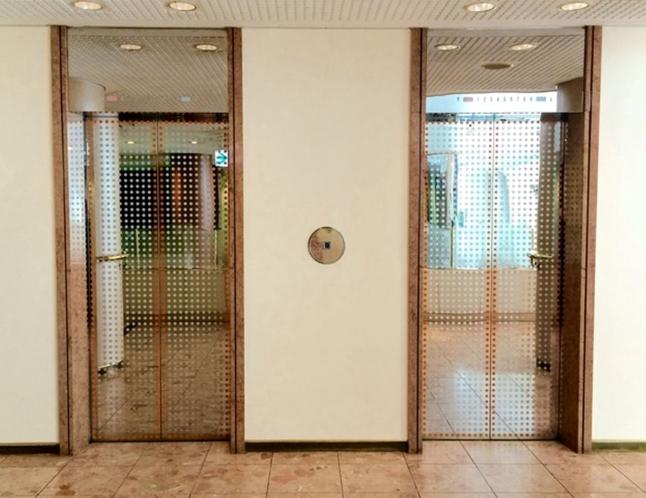 客室雪行きエレベーター