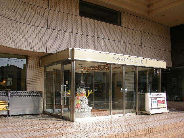 ホテル玄関前