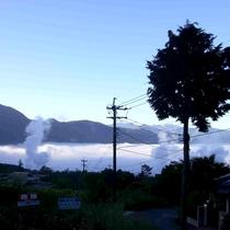 【景色】秋~冬は朝霧がまるで雲海のように見えます♪