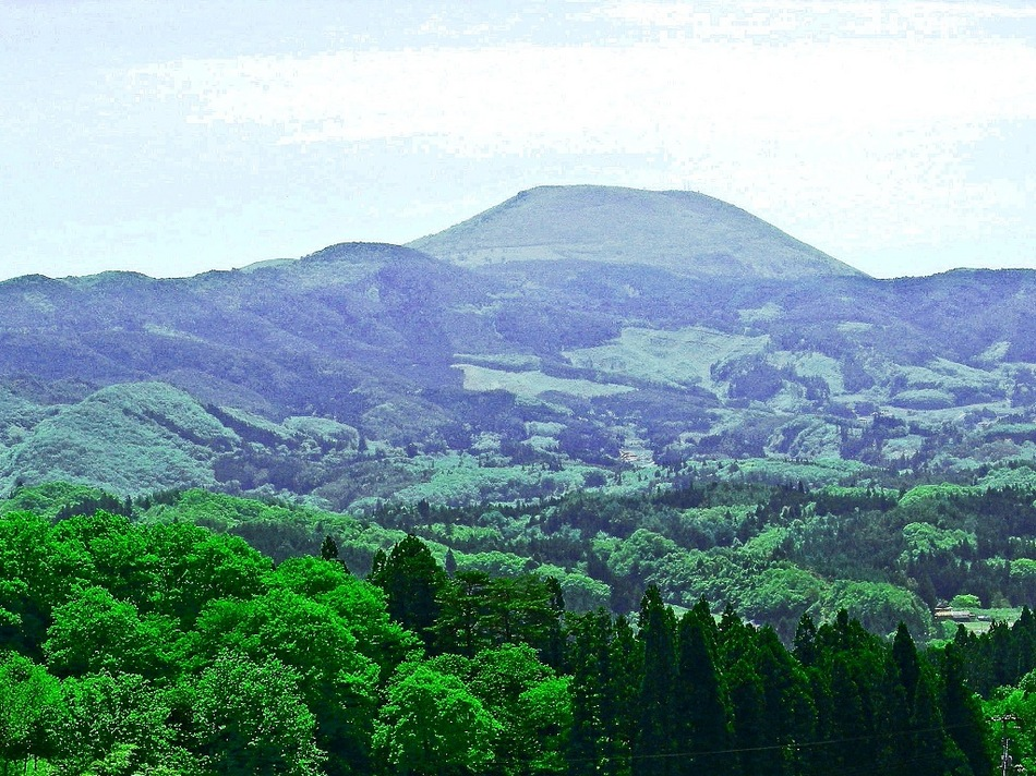 室根山(頂上まで車で行けます)