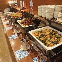 朝食(写真は一例でございます)ドレッシング6種類ございます