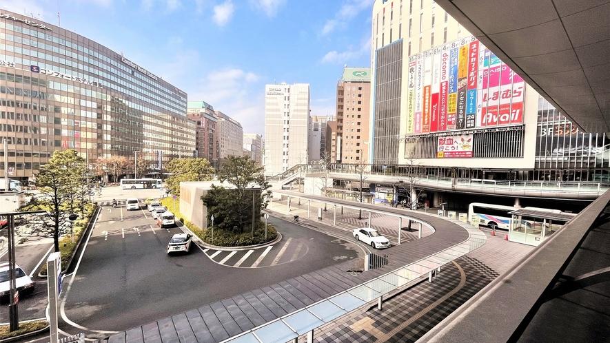 博多駅二階通路よりバスセンター方面☆