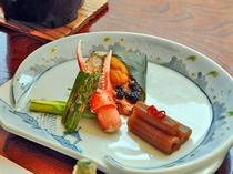 【お料理・焼き物】春の一例 甘鯛白酒海栗焼き・蟹爪・アスパラ・蕗添え