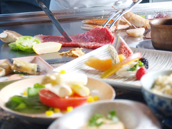 【新館1階ステーキ&しゃぶしゃぶふじた】熟練したシェフが貴方の為に美味しいお肉を焼き上げます