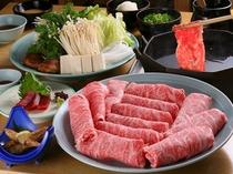 【新館1階ステーキ&しゃぶしゃぶふじた】とろける国産牛と変わり野菜のしゃぶしゃぶはいかが?