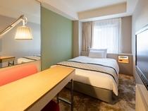 レディーススーペリアシングルルーム(一例)広さ15.5㎡/ベッド幅140cm