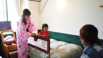 「海側」ミニロフト付ツインルーム。家族で過ごす時間