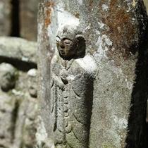 ■時が刻まれている「長谷寺の石仏」