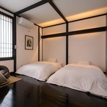 彦司 寝室