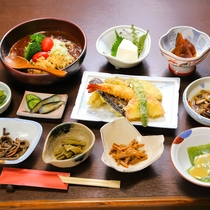 *お夕食一例/上州の自然豊かな場所で育まれた食材の甘みが引き立ちます。