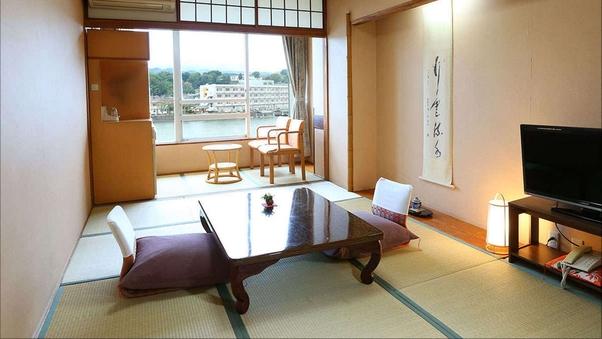 標準川側和室(8〜10畳)眺望川側(喫煙)