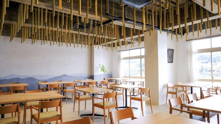 お食事処の中の1つ。2階にある竹水(ちくすい)。水郷日田の象徴、三隈川に面しています。