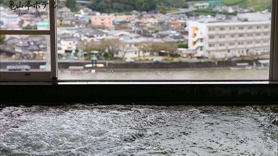 展望浴場からは日田・高瀬地区の街並みがご覧いただけます
