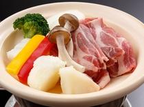 ブランド豚「浜名湖そだち」と地元野菜の陶板焼き(イメージ)