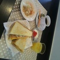 朝食(ホットサンド)