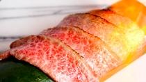 【神戸牛・淡路牛食べ比べ】一例・牛肉の炙り握りは客前料理にて炙り、握らせていただきます。
