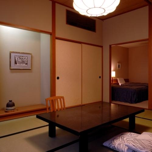 【和室10畳+ツイン】バス・トイレ付き −ゆとりの50平米−