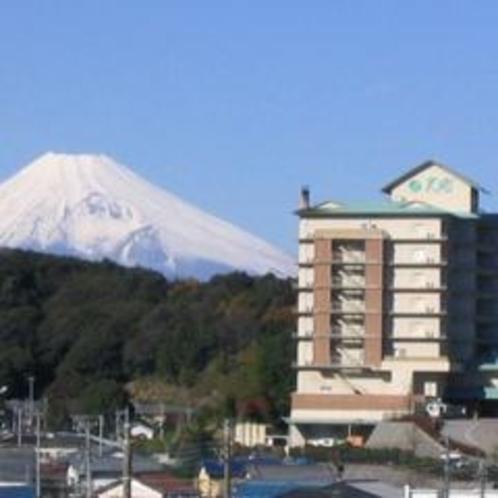 富士山とホテル天坊