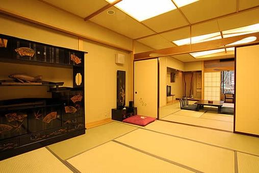 特別室 和室15畳+8畳 禁煙バストイレ付