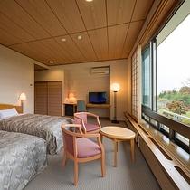 ツイン(客室一例)/障子から入る光が室内を明るく。朝はやさしい自然光でお目覚め下さい。