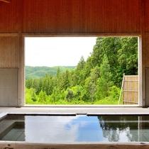 *【露天風呂(奥)大自然に囲まれ、静寂に包まれてご入浴ください
